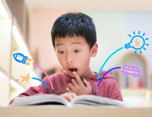 atividades para desenvolver a leitura: criança lendo e imaginando várias coisas através da leitura!