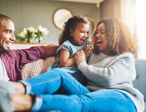 benefícios do riso para crianças
