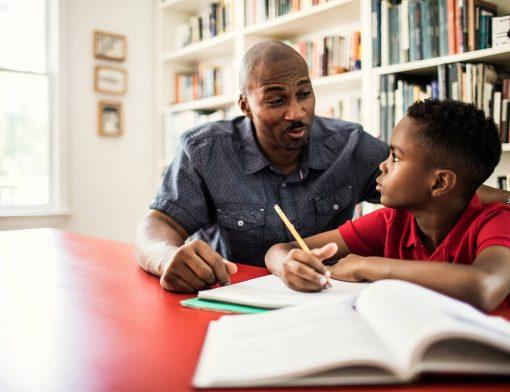 como ensinar seu filho a estudar