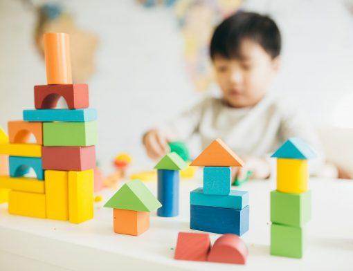 brinquedos para crianças autistas
